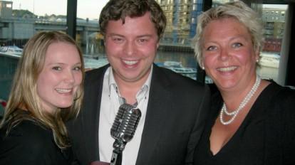 Bjørn-Martin Brandett fra Radiodrift AS ble tildelt prisen i Trondheim i 2013, her flankert av juryleder, Jana Johnsen til venstre og daværende styreleder Tove Blomseth. (Foto: Sigmund Holtskog)